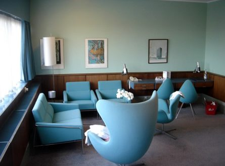 Radisson SAS Royal Hotel Room 606 by Arne Jacobsen 445x330 - My Home is My Castle